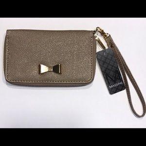 Wristlet clutch wallet